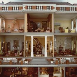 DH2015-002 English Minature House Album